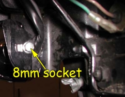 Right signal mounting bolt